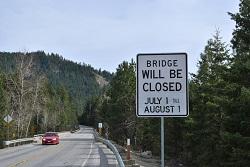 Plain bridge